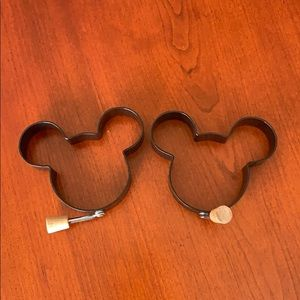 Mickey Mouse egg/pancake mold pair